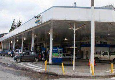 Concejales piden que bajen un 50% los combustibles