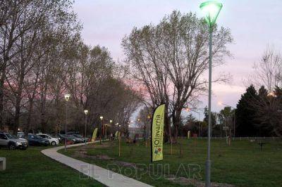El parque Aoma ya tiene luces propias