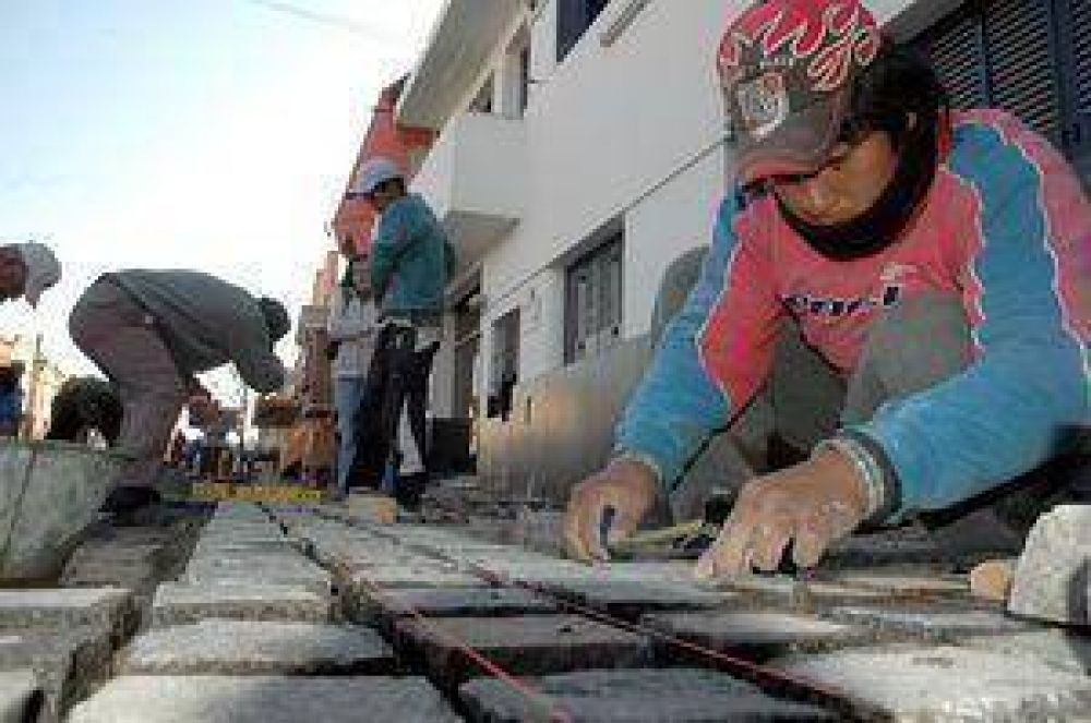 El Estado Municipal concluyó con 12 frentes de obra de cordón cuneta .