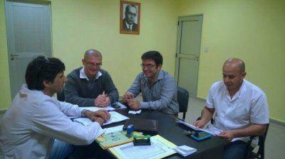 Parra Moreno visitó el hospital del Bicentenario y anunció la habilitación de una delegación del Registro Civil en el lugar