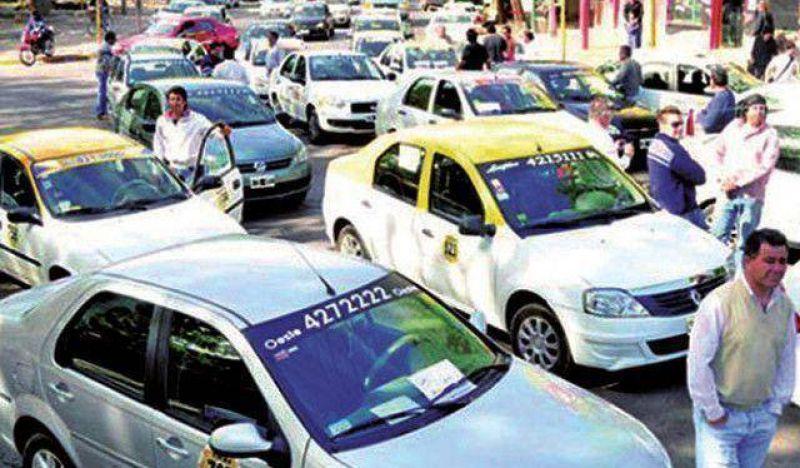 Taxistas molestos porque el Ejecutivo arma una ley sin consultarlos