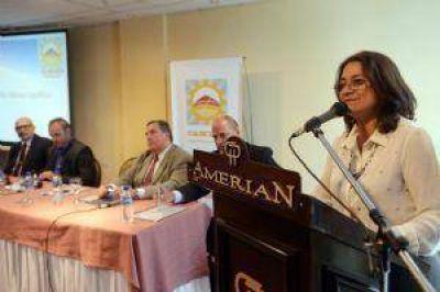 Lucía aseguró que es imposible afrontar el salariazo docente