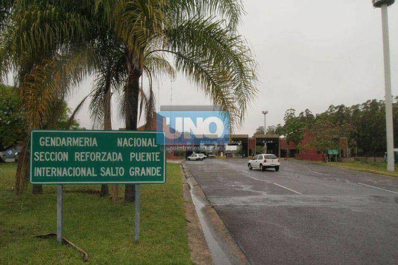 Trabajadores de Aduanas reclaman aumento y har�n paro