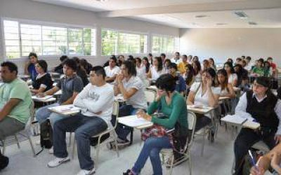 Hurlingham y Almirante Brown tendrán universidades nacionales