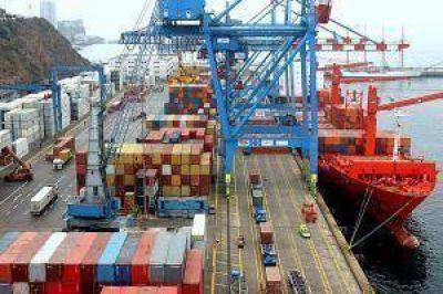 El superávit comercial creció 145% en agosto