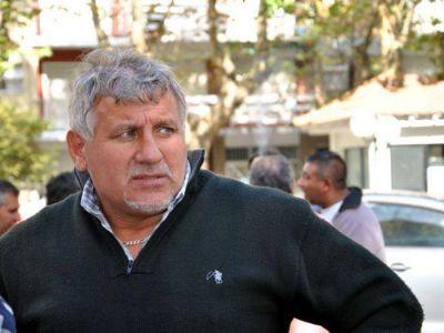 Paralizan el servicio de taxis para acompañar a la familia de chofer asesinado