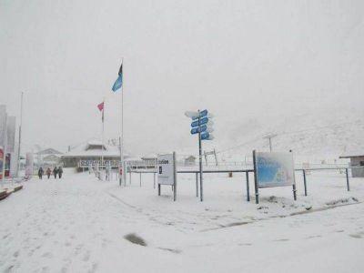 Intensa nevada dejó blanca hasta la base del Catedral