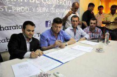 El Ipduv firmó convenio por 25 viviendas para empleados de comercio de Charata