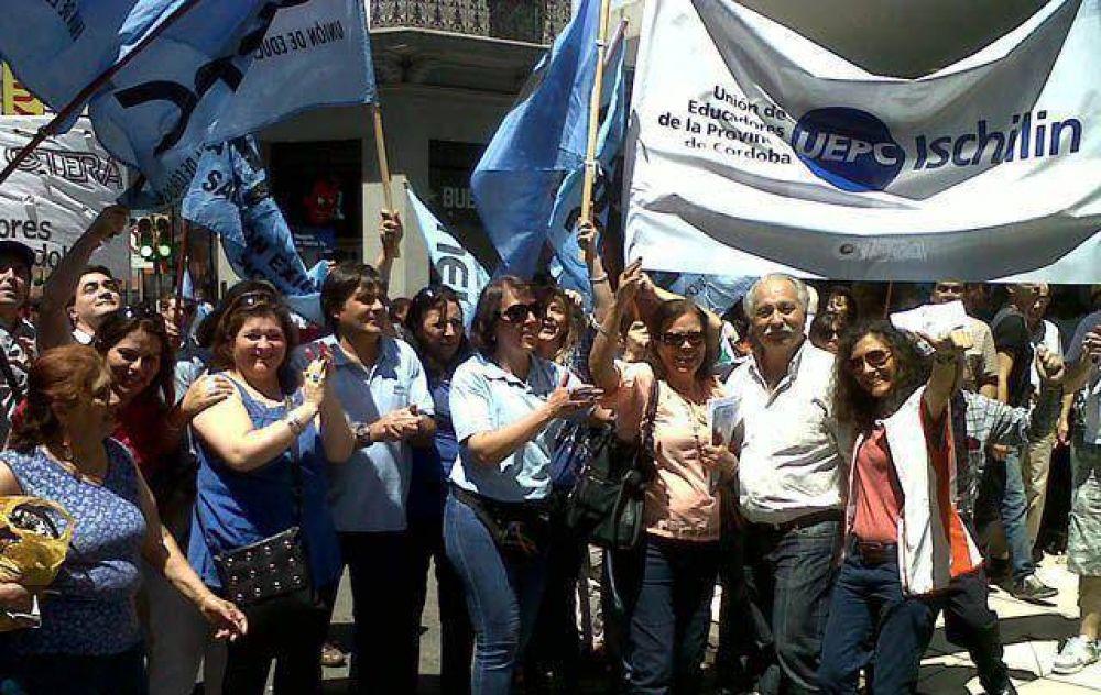 Gremios de Córdoba analizan medidas de fuerza por paritarias