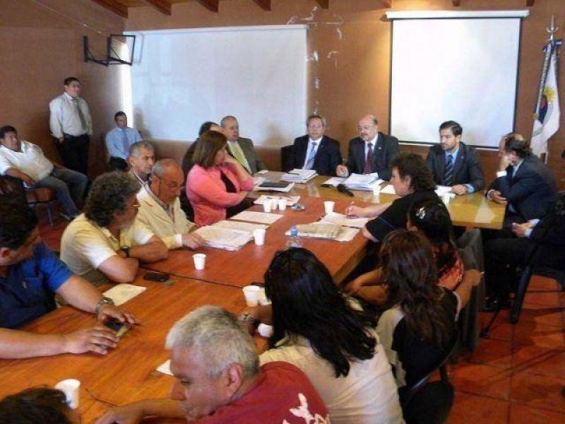 Nueva reunión entre funcionarios provinciales con gremios estatales