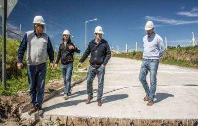 Concejales recorrieron las obras de pavimentación y desagües en calle Quintana
