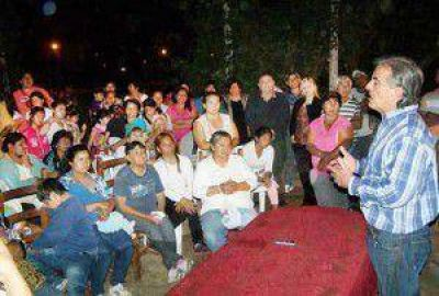 Hector Ruiz comenzó su campaña por las elecciones presidenciales