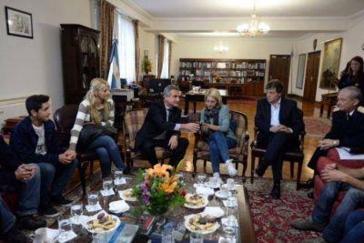 """Rossi recibió a Rocío: """"En las Fuerzas Armadas no hay lugar para estos aberrantes hechos"""""""