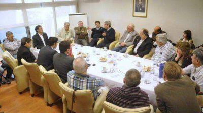 No hubo acuerdo en la reunión entre intendentes y diputados