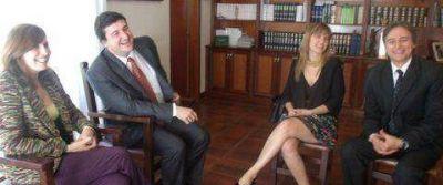Se firmó el convenio para la asistencia jurídica gratuita en Navarro