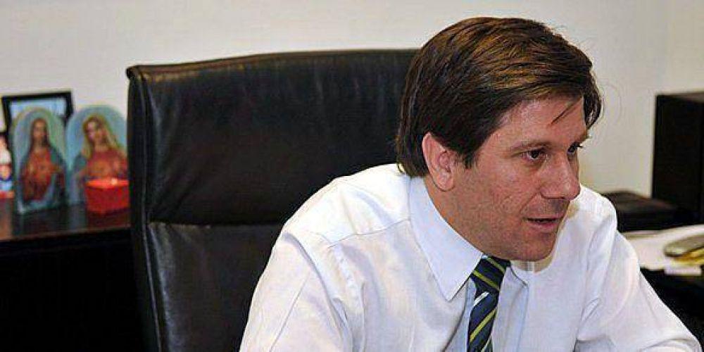 El director de la OSEP volvió de su viaje por el Caribe y justificó su ausencia