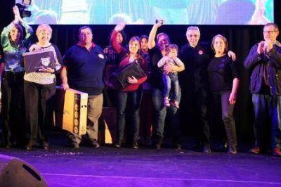 Multitudinario reconocimiento a la labor de los auxiliares docentes de Tigre