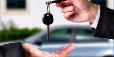 Denuncian amenazas de estafador que vende autos
