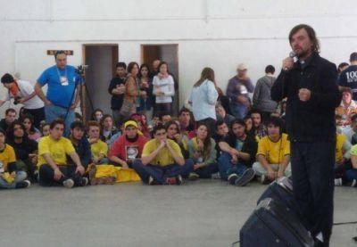 Novecientos jóvenes católicos contra de la legalización de la droga que impulsa el Gobierno