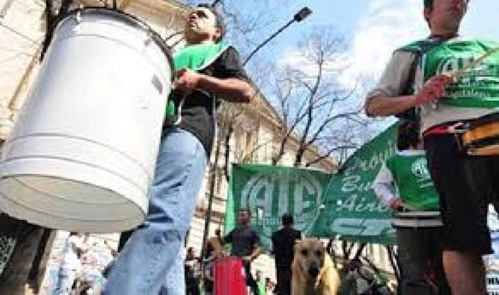 Otro día de paro de los trabajadores estatales