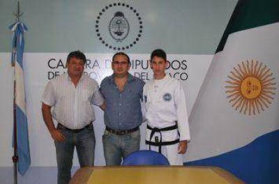 Bacileff Ivanoff recibió al joven taekwondista Joaquín Moro que participará en el XII Panamericano