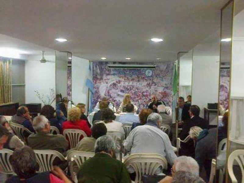 Gremios por el Insssep: se reactivan las demandas por la obra social