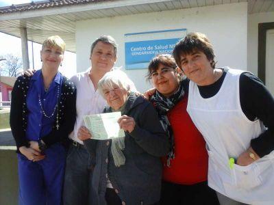 Se gestionó un certificado de nacimiento para una abuela de 86 años
