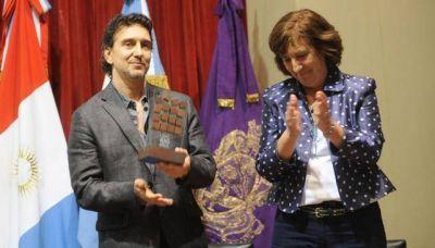 Julio Bocca recibi� el premio Cultura Universidad 400 a�os