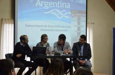 La Gobernadora participó de la inauguración de la Jornada de Promoción Comercial para productores locales