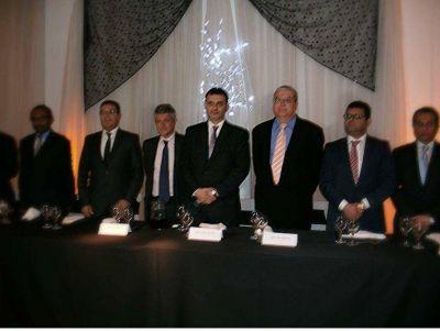 En un almuerzo con embajadores, se anunció la precandidatura a intendente de Alejandro Battaglia