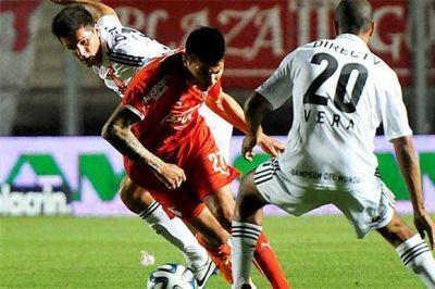 Copa Argentina: Estudiantes eliminó a Independiente y jugará con Huracán en cuartos de final