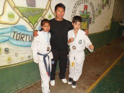 Destacada actuación de deportistas en Taekwondo