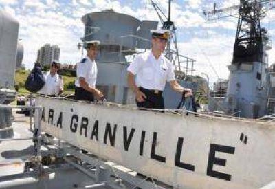 Tunante II: Avión privado y corbeta de la Armada rastrillan la zona de búsqueda