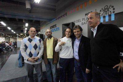 Entregaron becas a 183 deportistas destacados de Mar del Plata y Batán