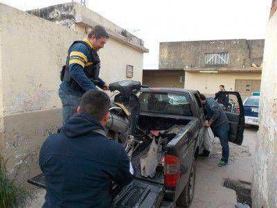 San Pedro: Secuestran motos, repuestos y armas. Dos aprehendidos
