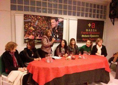 Marcela Durrieu disertó en Villa Martelli sobre políticas de genero