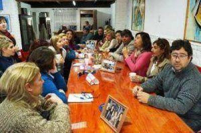 Asamblea en la FEB para tratar el petitorio por el Presupuesto Educativo