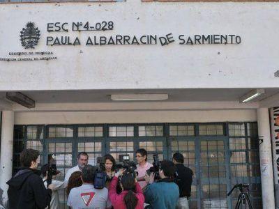 Fueron suspendidos los dos alumnos que llevaron armas a la escuela