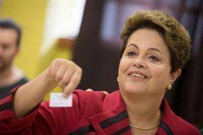 Dilma ganó pero enfrenta el desafío del balotaje