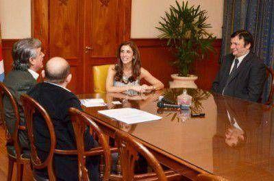 Economía: Ministerio de Economia de la Pcia y Secretaría de Economía de La Banda acordaron primeros puntos por coparticipación