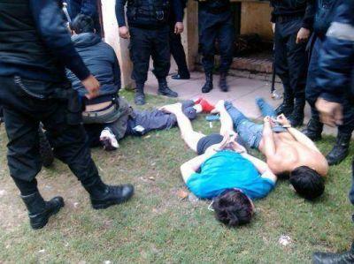 Estrictos operativos policiales en varios puntos de la ciudad: ocho detenidos