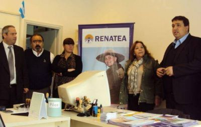 Cassasola presentó en San Cayetano el Renatea