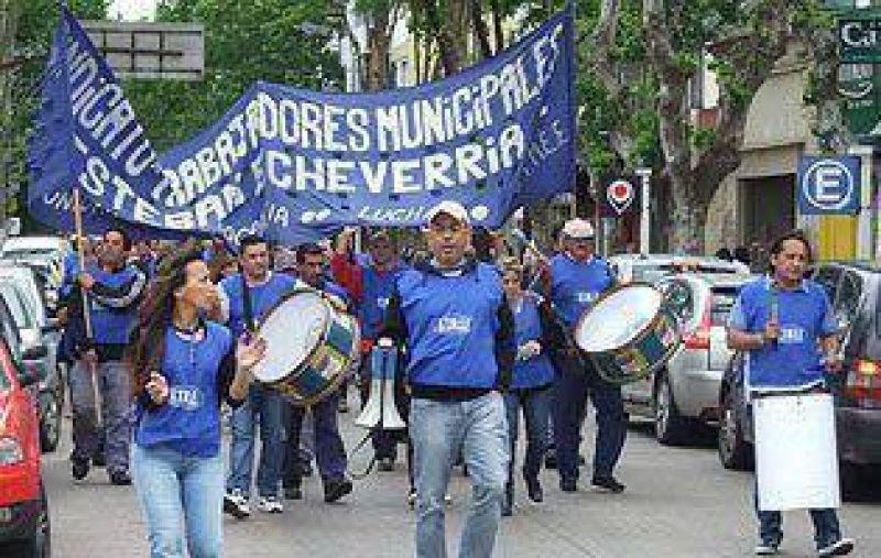 Municipales se movilizaron en reclamo de mejoras salariales