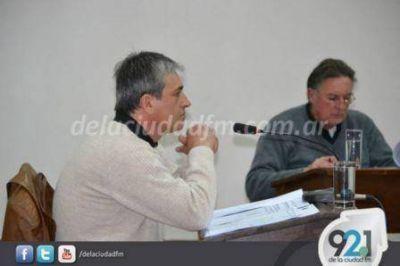 El concejal del Frente Renovador llamó a 'achicar el aparato político municipal'