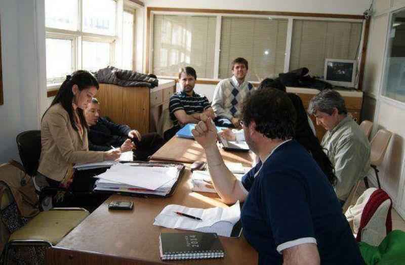Continúan las reuniones paritarias entre el Gobierno y SUTEF
