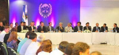 Poggi impuls� el Consejo Provincial de Seguridad