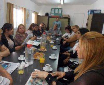 """Concejales capitalinos dialogaron con la ONG """"Trata de Personas"""""""