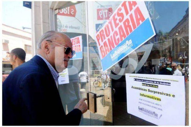Este miércoles los bancos en Santa Fe no atenderán al público durante las últimas dos horas