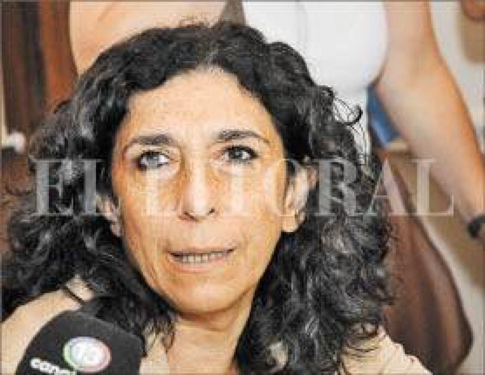 Bifarello defendió la adquisición directa de frazadas y colchones