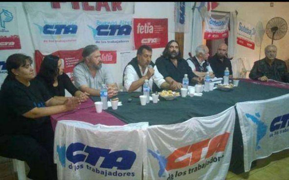 Roberto Baradel pasó por Pilar y apoyó a los candidatos de una de las listas de la CTA local
